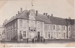 FRANCE - CARTE POSTALE - LAGNY -  LA MAIRIE ET LA GENDARMERIE - Danemark