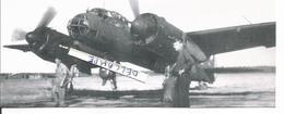 PHOTO AVION  JUNKER JU88 A N°14 AAB-1 GB 1/31 AU DEPART SUR LA BASE DE CAZAUX MAI 1945 RETIRAGE 17X6CM - Aviation