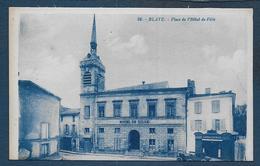 BLAYE - Place De L' Hôtel De Ville - Blaye