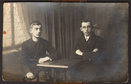 Two Men Guys Portrait GAY INT Old Photo 14x9 Cm #29749 - Personnes Anonymes