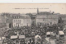 LANNION (C.-du-N). La Place Du Marhall'ach Un Jour De Marché - Lannion
