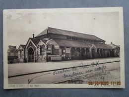 CP 35  JANZE  - Les Halles Direction De Piré,  A Côté Des Réclames BYRRH , Les Urinoirs Pour Hommes ,vespasienne 1945 - Autres Communes