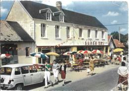"""D50 - COUTAINVILLE - LE PASSOUS - """"LE SUPER AMI BAR""""-Plusieurs Personnes-Renault 4-CPSM Dentelée Grand Format - Frankreich"""