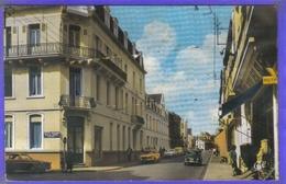 Carte Postale 62. Wimereux  Rue Carnot  Voitures  Très Beau Plan - Frankreich