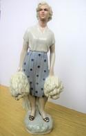 Young Lady Nice Vintage Soviet Porcelain Figurine RPF 1965 Height 30.5cm - Céramiques