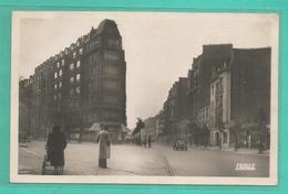 75 - PARIS - Arrondissement 14 - LA RUE D'ALESIA VERS LA PLACE VICTOR BASCH A GAUCHE LA RUE SARRETTE - Arrondissement: 14