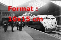 Reproduction D'une Photographie Du Président De La République Albert Lebrun Attendu Par Une Fanfare Gare St-Lazare 1933 - Reproductions