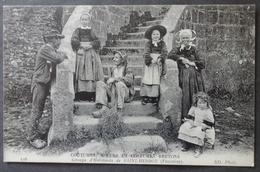 CPA 29 - CMCB 126 - Groupe D'Habitants De SAINT HERBOT - Coutumes, Moeurs Et Costumes Bretons - Saint-Herbot