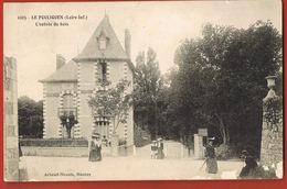 CPA 44- LE POULIGUEN -l'entrée Du Bois-Elégantes--voyagée 1909 Avec Timbre Perforé  D R-scans Recto Verso - Le Pouliguen