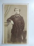 CDV Second Empire  Jeune Homme Type Artiste - Circa 1860/65 - Photo Amand Darlot, Paris - BE - Photographs