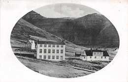FAROE ISLANDS - GOTU SKOLI - THE SCHOOL HOUSE ~ AN OLD POSTCARD #82109 - Denmark
