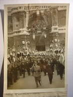 PHOTO PROPAGANDE 1942 - MARECHAL PETAIN BOURG EN BRESSE CATHEDRALE 18 SEPTEMBRE 1942 - 13X18 - TIRAGE D'EPOQUE - Guerra, Militari