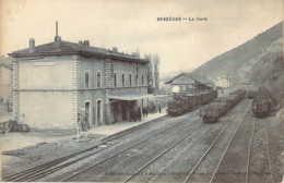 30 GARD Le Train à Quai En Gare De BESSEGES Cliché Coutarel Artige - Bessèges