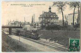 12817 - MAISONS LAFITTE - LE PONT DU CHEMIN DE FER ET L HOTEL DE VILLE - Maisons-Laffitte