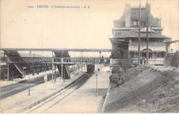 93 - PANTIN :  L'Intérieur De La Gare - CPA - Seine St Denis - Pantin