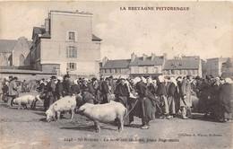 SAINT BRIEUC - La Foire Aux Cochons - Place Duguesclin - Saint-Brieuc