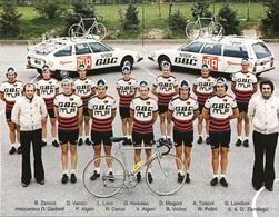 CARTE CYCLISME GROUPE TEAM GBC 1977 ( DECOUPE, FORMAT 16,5 X 21,5 - Cyclisme