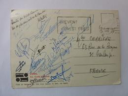 Autographes Sur Carte Postale Du XV De France Rugby En Déplacement En Irlande En 1972 - Autographes