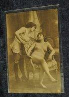 Femmes Nues Seins Nus Beaute Feminine Lesbiennes ? Erotique - Beauté Féminine D'autrefois < 1920