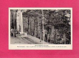 85 Vendée, MOUCHAMPS, Au Colombier, Tombe De Clémenceau, Animée, (N. Phot) - Francia