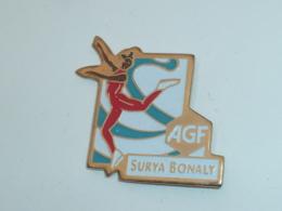 Pin's SURYA BONALY, PATINAGE ARTISTIQUE, AGF - Eiskunstlauf