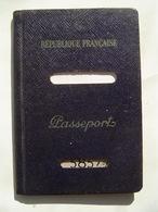 PASSEPORT 1957 : PAPEETE / TAHITI / OCEANIE ( FRANCE ) Timbre Fiscal 3200 Francs + Timbre Quittances 100 Francs - Documents Historiques