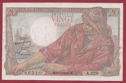 """20 Francs """"Pêcheur"""" Du 19/05/1949.M---TTB+---ALPH .A.228 --4 TROU D ' EPINGLE - 1871-1952 Anciens Francs Circulés Au XXème"""