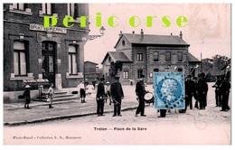 59  Trélon   Groupe De Militaires Place De La Gare - Sonstige Gemeinden