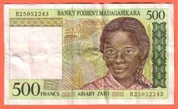 MADAGASCAR - 500 Francs / 100 Ariary  De 1994 - Pick 75 - Madagascar