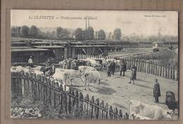 CPA 71 - LA CLAYETTE - Embarquement Du Bétail - TB PLAN TB ANIMATION Troupeau De Vaches + TB TRAINS WAGONS - Francia