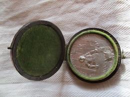 Suisse: Médaille Commémorative 300e Anniversaire De L'Escalade, Genève 1902 Avec Boitier - Jetons & Médailles