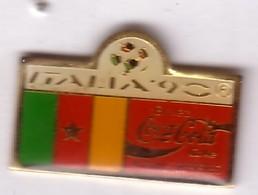 C268 Pin's Foot Football Coupe Monde Italie Coca Cola Coke Drapeau Achat Immédiat Cameroun - Coca-Cola