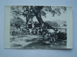 CARTE POSTALE PHOTO Ancienne : ROUTE DE FARE UTE - LES BARAQUES / PAPEETE / TAHITI / OCEANIE ( FRANCE ) - Tahiti