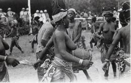 Photo 10. Afrique Noire. Danses Femmes Aux Seins Nus. Circa 1940 14x9 - Afrique Du Sud, Est, Ouest