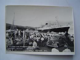 PHOTO Ancienne 1953 : Arrivée Du PAQUEBOT CALEDONIEN - MESSAGERIES MARITIMES / TAHITI / OCEANIE ( FRANCE ) - Bateaux