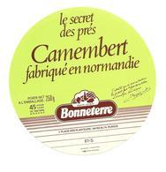ETIQUETTE De FROMAGE..CAMEMBERT Fabriqué En NORMANDIE ( Orne 61-S)..Le Secret Des Près..BONNETERRE - Cheese