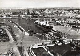 CALAIS - VUE D'AVION - PORT - Formato GRANDE - VIAGGIATA 1961 - (rif. Q55) - Calais