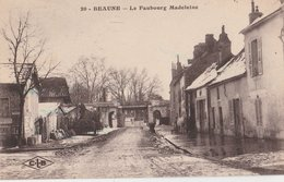 BEAUNE (21). Le Faubourg Madeleine, En Hiver (neige). Au Fond Pont Ferroviaire - Beaune