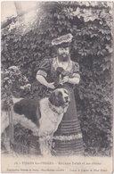 88. THAON-LES-VOSGES. Madame Delait Et Ses Chiens. 25 - Thaon Les Vosges
