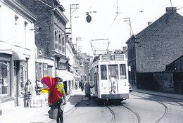 Photo Bazin - PATURAGES-Centre -13-05-1961 - Avec Tram N°4 à Son Arrêt - Colfontaine