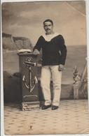 Carte Photo  ( Bretagne)  Type De Matelot Dans Les Années 1911 - Costumes