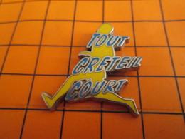 818B Pin's Pins / Beau Et Rare / THEME : SPORTS / ATHLETISME TOUT CRETEIL COURT - Porsche