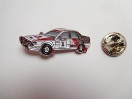 Beau Pin's , Auto Mitsubishi  Rallye , Lubrifiants Shell , Pneu Michelin , CFAO - Mitsubishi
