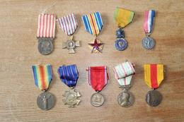 10 Médailles Guerre 1914 1918 Dont Marne Saint Mihiel WWI  Médaillés Militaires - 1914-18