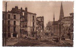 REF 472 : CPA 44 NANTES Après Les Bombardements La Place Bretagne - Nantes