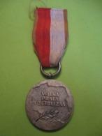 Médaille Du 40éme  Anniversaire Du PRL / POLOGNE/ Walka Praca Socializm/ 1984     MED368 - Sonstige Länder