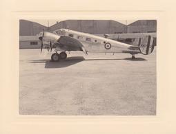 Photographie Anonyme Vintage Snapshot Avion Aviation Plane Hélice Aérodrome - Aviation