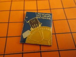 613c Pin's Pins / Beau Et Rare / THEME : CINEMA / FESTIVAL DU COURT METRAGE DE CLERMONT FERRAND - Cinema
