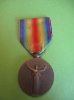 Médaille Commémorative 14-18/ République Française/La Grande Guerre Pour La Civilisation/  Morlon/1922    MED370 - France