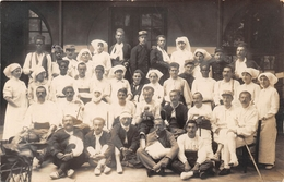 Carte Photo - Militaria - Hôpital Militaire - Blessés  - Infirmières - Guerre 1914-18